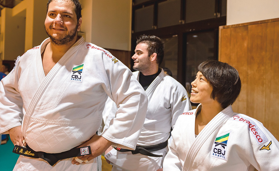 Removing Barriers Through Teaching The Spirit Of Judo The Government Of Japan Japangov